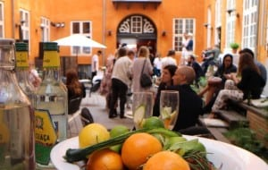Get Bartender Cocktailkursus - Bartender til fest - Underholdning til fest - Underholdning til firmafest - Cocktail Kursus København - Cocktail Kursus Århus - Cocktail Kursus til firma - Cocktails til firma - Firma Teambuilding til Firma