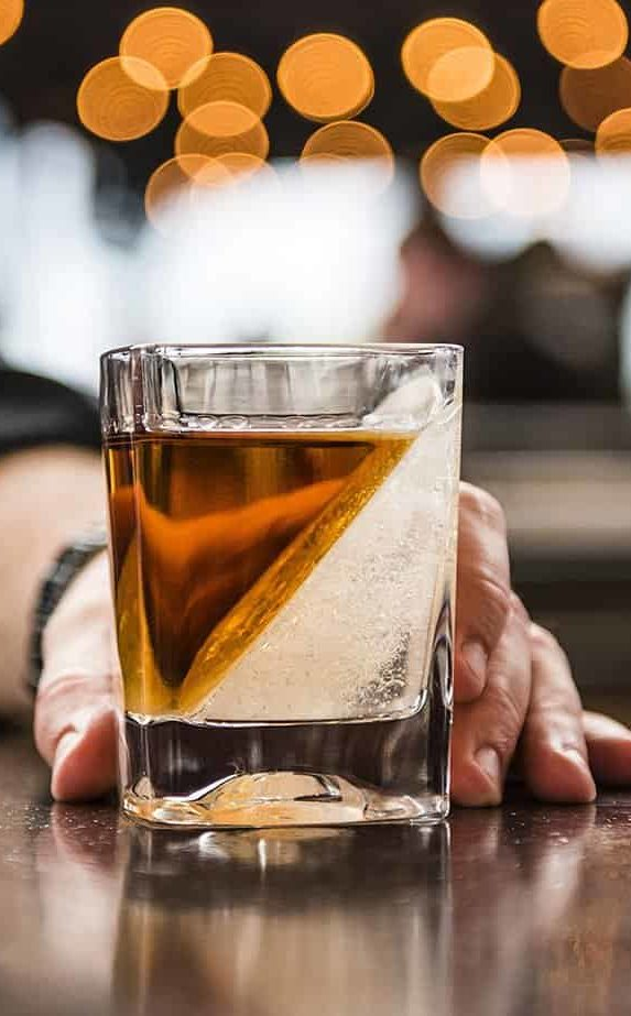 Bourbon Whiskey - Old Fashioned - Spirit guide - Bourbon Cocktails - Old Fashioned Cocktail Recipe - Bourbon Cocktails - Old Fashioned Cocktails - Info about Bourbon - Bourbon info - Bourbon History