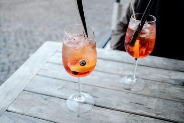Aperol Spritz - Cocktails til sommerfest - Sommerfest drinks - drinks til sommerfest - ideer til sommerfest - sommerfest ideer - cocktails til firmafest - drinks til firma sommerfest - drinks til sommerfest
