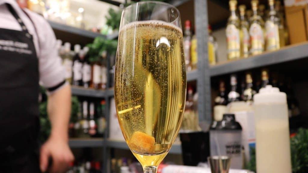 Champagne Cocktail opskrift