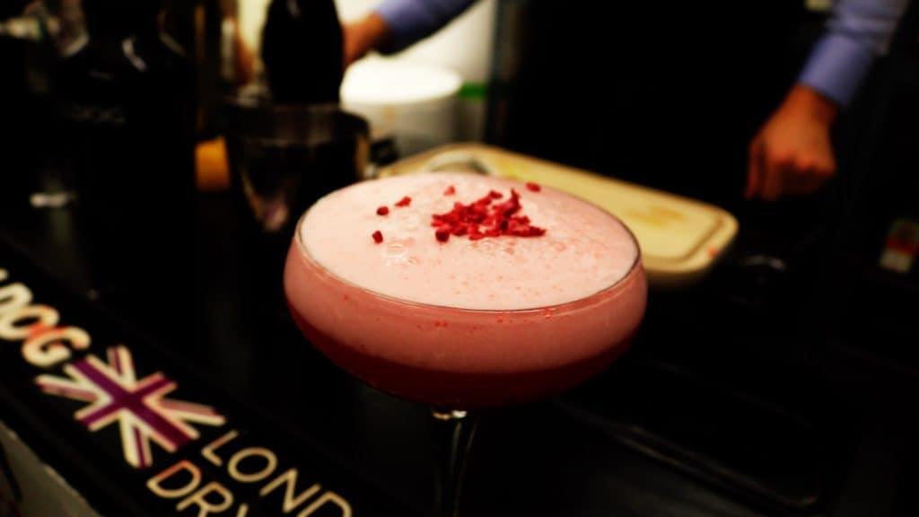 Cocktails til fest - Cocktail Bar - Royal Clover Club - Cocktails med gin - Cocktails til bryllup - Tinder drinks -