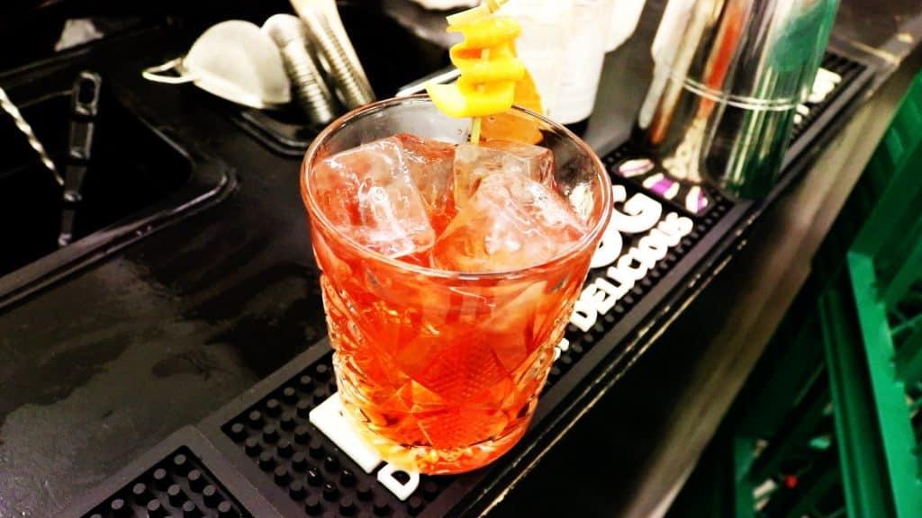 Hvordan man laver Negroni Cocktail Opskrift
