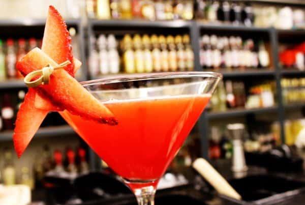 How to make Strawberry Daiquiri cocktail recipe - Hvordan laver man strawberry daiquiri cocktail - strawberry daiquiri opskrift