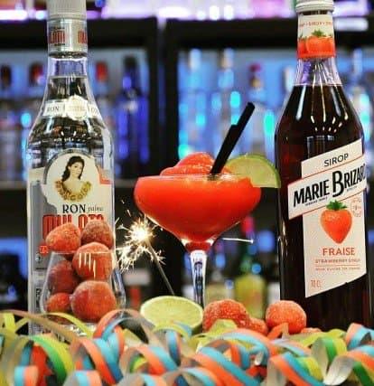 Strawberry daiquiri cocktail pakke - velkomstdrink til nytår - bedste velkomstdrink til fest