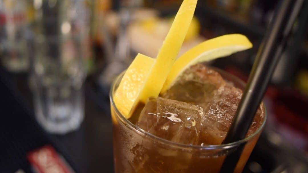 Long Island Iced Tea cocktail recipe - Long Island Iced Tea opskrift