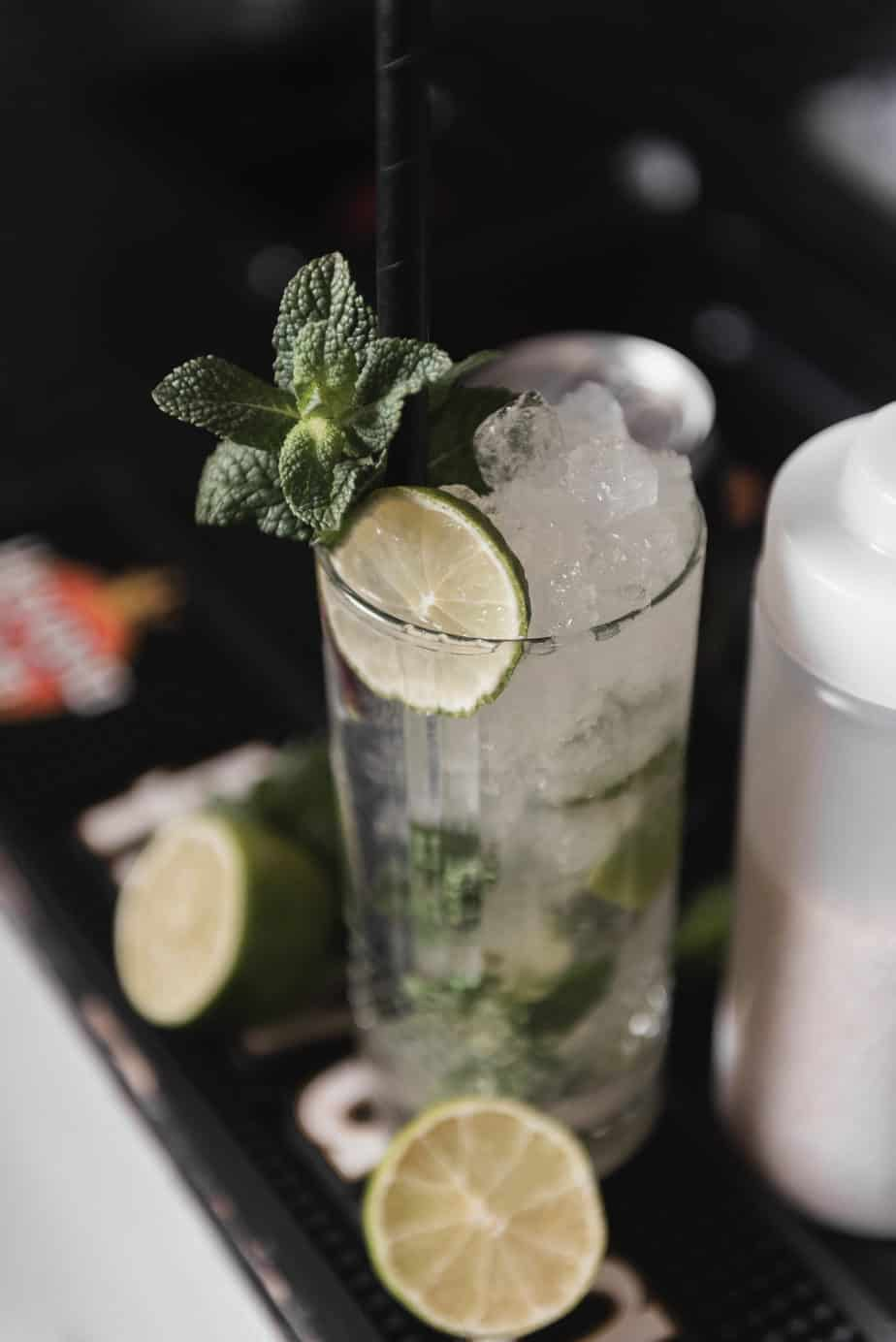 Mojito uden alkohol opskrift - Alkoholfri cocktail opskrift - bedste alkoholfrie mojito opskrift - alkoholfri mojito opskrift