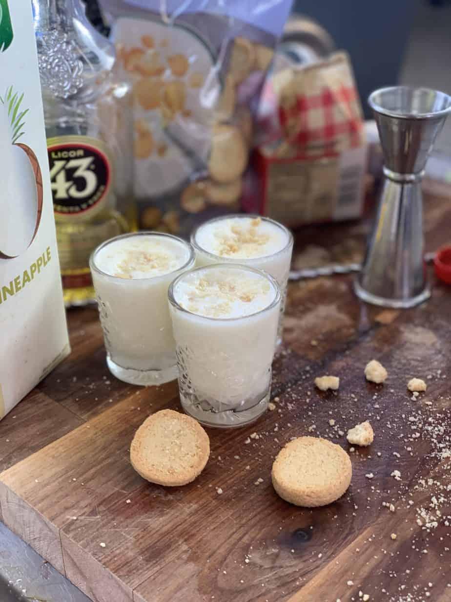 Koldskål shots opskrift - shots opskrifter - opskrifter på shots - lækre shots - cocktail opskrifter