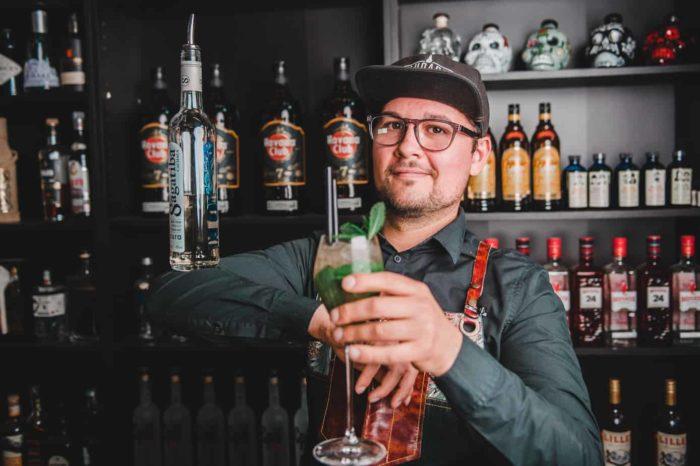Cocktail Bartenderne - Lej en Bartender til fest - Bartender udlejning