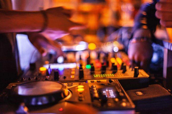 DJ til Julefrokost